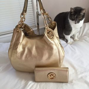 Michael Kors Fulton Pale Gold Large Shoulder Tote